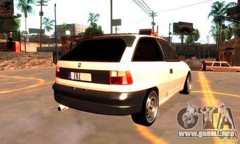 Opel Astra 1993 para GTA San Andreas vista hacia atrás