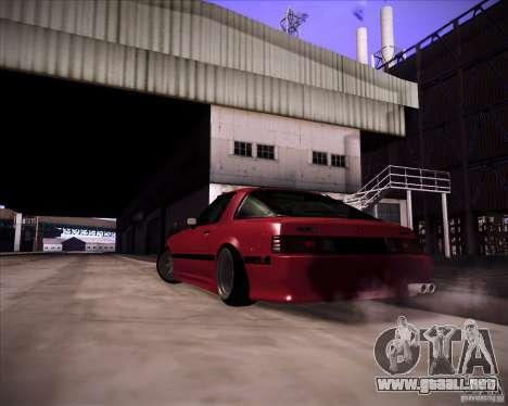 Mazda RX7 FBS3 para GTA San Andreas left