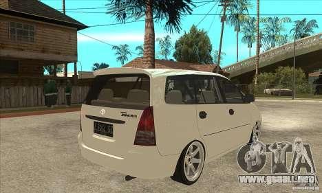 Toyota Innova Lowrider Rims 2 para la visión correcta GTA San Andreas