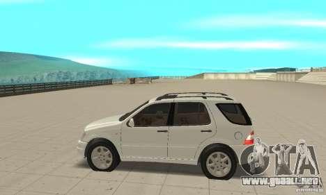 Mercedes-Benz ML 430 para GTA San Andreas left
