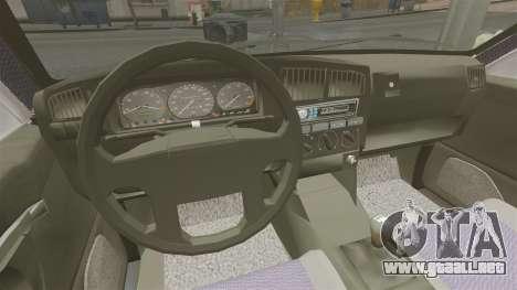 Volkswagen Passat B4 para GTA 4 vista hacia atrás