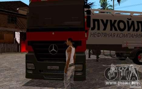 Mercedes-Benz Actros Lukoil para GTA San Andreas vista hacia atrás