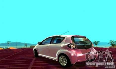 Toyota Aygo V1.0 para GTA San Andreas left