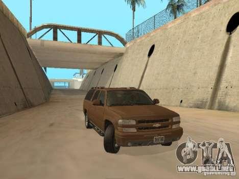 Chevrolet Suburban 2003 para GTA San Andreas left