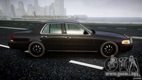 Ford Crown Victoria 2003 v2 FBI para GTA 4 vista interior
