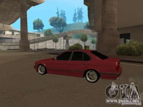 BMW E34 M5 para GTA San Andreas vista posterior izquierda