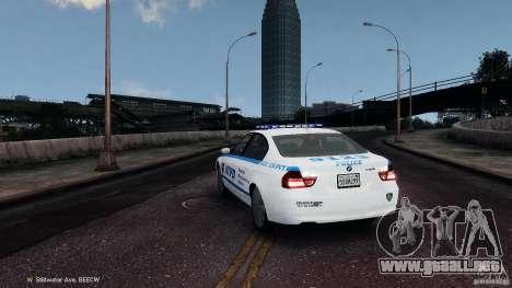 NYPD BMW 350i para GTA 4 Vista posterior izquierda