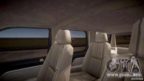 Chevrolet Tahoe 2012 NYPD para GTA 4 vista desde abajo