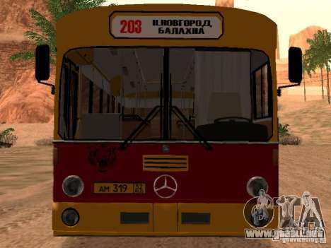 Mercedes-Benz O305 para GTA San Andreas left