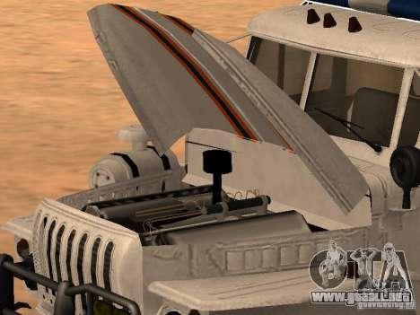 Ural 4320 MOE para GTA San Andreas vista posterior izquierda