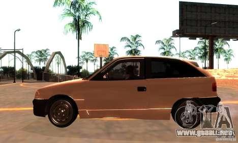 Opel Astra 1993 para GTA San Andreas left