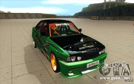 BMW E34 V8 Wide Body para GTA San Andreas vista hacia atrás