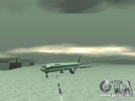 Boeing 767-300 Alitalia para GTA San Andreas left