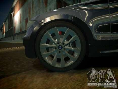 BMW 120i para GTA 4 vista hacia atrás
