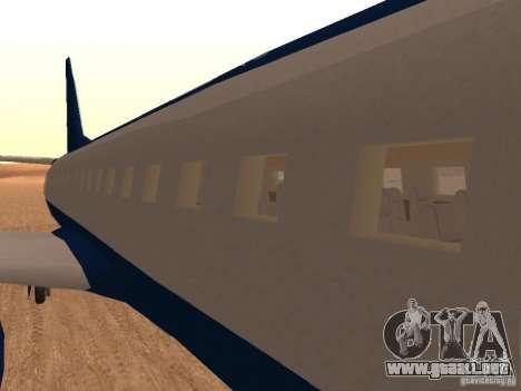 AT400 with full Interior para GTA San Andreas vista hacia atrás