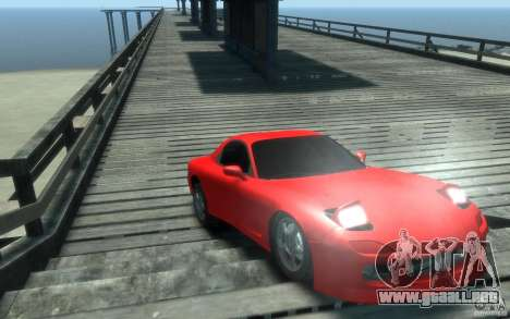 Mazda RX-7 v1 para GTA 4 vista hacia atrás