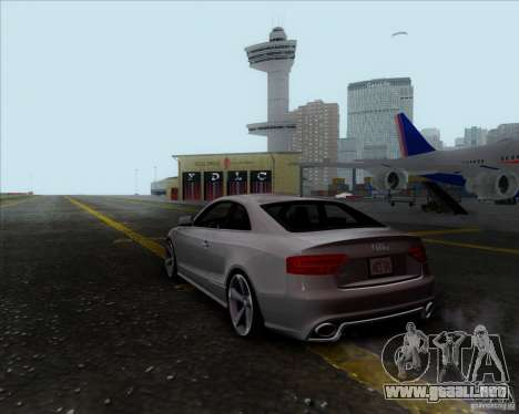Audi RS5 para GTA San Andreas left