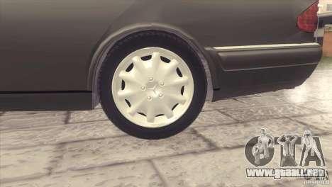 Mercedes-Benz E320 Funeral Hearse para GTA San Andreas vista hacia atrás