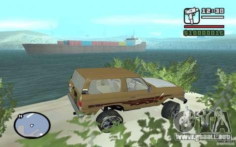 Toyota Land Cruiser 70 para GTA San Andreas left