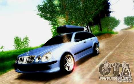 Mercedes-Benz E55 AMG para visión interna GTA San Andreas