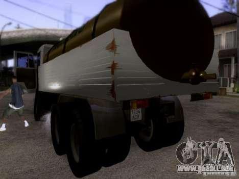 Camión KAMAZ 53212 leche para GTA San Andreas vista posterior izquierda