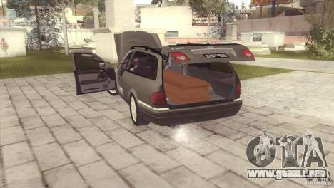 Mercedes-Benz E320 Funeral Hearse para GTA San Andreas left