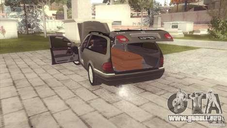 Mercedes-Benz E320 Funeral Hearse para GTA San Andreas left