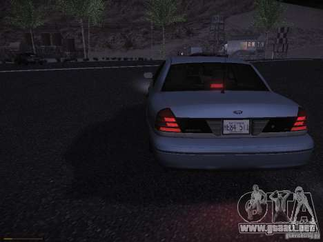 Ford Crown Victoria 2003 para GTA San Andreas vista hacia atrás