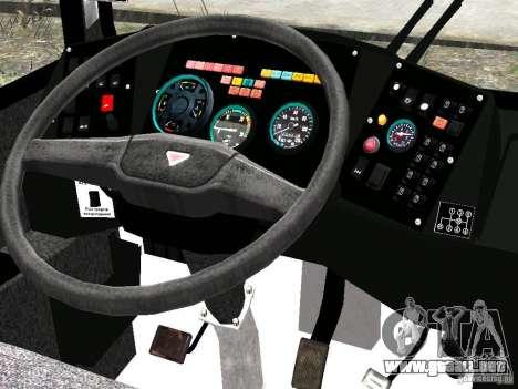 NEFAZ-5299 10-15 para GTA 4 vista desde abajo