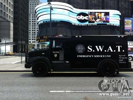 SWAT - NYPD Enforcer V1.1 para GTA 4 left