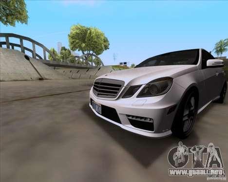Mercedes-Benz E63 AMG V12 TT Black Revel para GTA San Andreas left