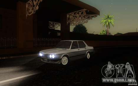 BMW E28 525e ShadowLine Stock para GTA San Andreas left