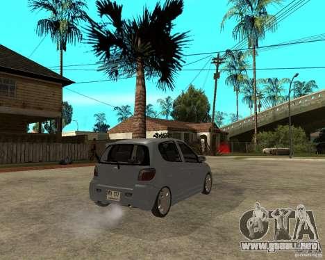 Toyota Vitz para GTA San Andreas vista posterior izquierda
