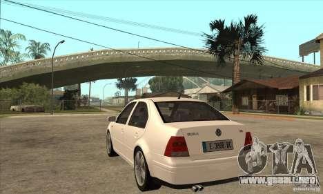 Volkswagen Bora VR6 2003 para GTA San Andreas vista posterior izquierda