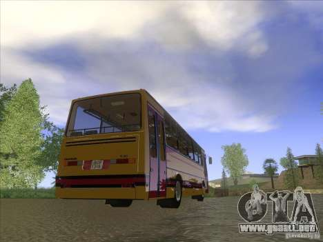 Ikarus 260 32P para GTA San Andreas left
