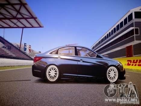 Hyundai Sonata 2011 para GTA 4 vista hacia atrás
