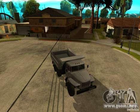 Camión Ural 55571 para GTA San Andreas left