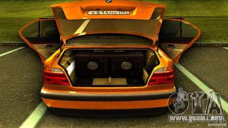 BMW 730i Taxi para GTA San Andreas vista hacia atrás