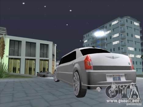 Chrysler 300C Limo para GTA San Andreas left