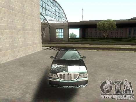 Lincoln Town car sedan para GTA San Andreas vista hacia atrás