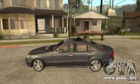 Mercedes-Benz E500 2003 para GTA San Andreas left