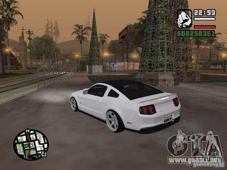 Ford Mustang GT B&W para GTA San Andreas left