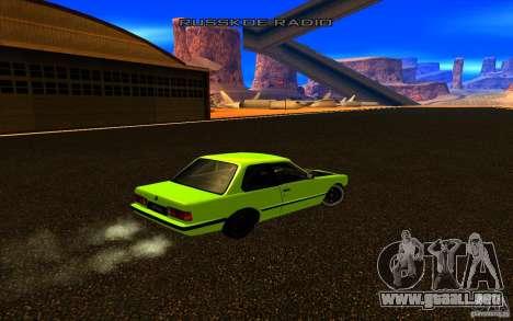 BMW E30 2.7T para GTA San Andreas vista hacia atrás