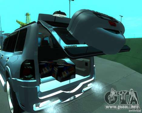 Mitsubishi Pajero STR I para GTA San Andreas vista hacia atrás