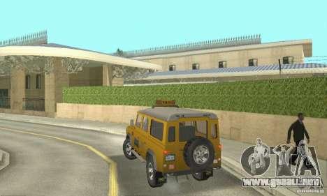 Land Rover Defender 110SW Taxi para GTA San Andreas left
