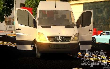 Mercedes-Benz Sprinter Passenger para GTA 4 vista lateral