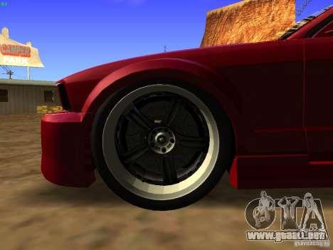 Ford Mustang GT 2005 Tuned para GTA San Andreas vista hacia atrás