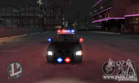Ford Crown Victoria Police para GTA 4 Vista posterior izquierda
