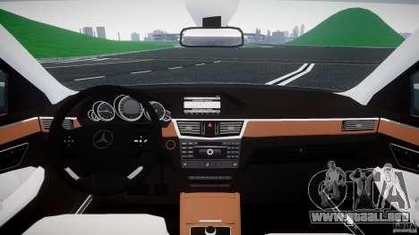 Mercedes-Benz E63 2010 AMG v.1.0 para GTA 4 vista hacia atrás