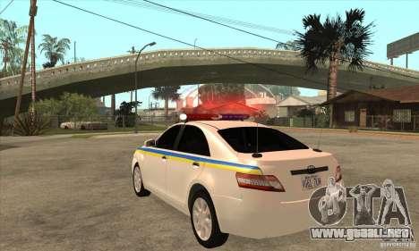 Toyota Camry 2010 SE Police UKR para GTA San Andreas vista posterior izquierda